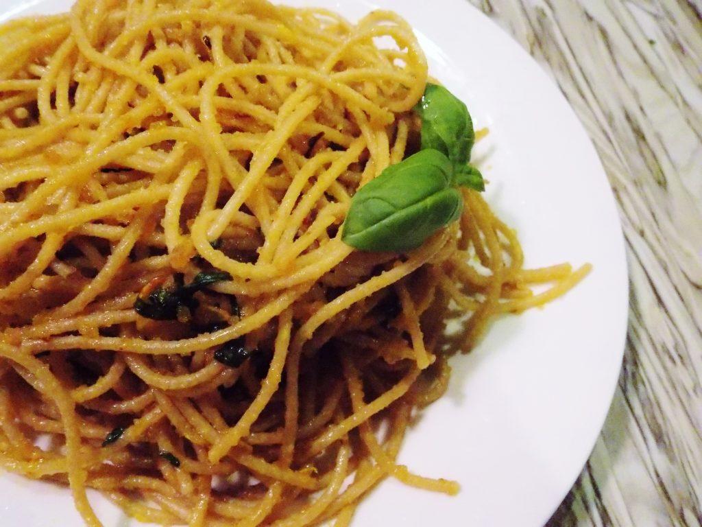 spaghetti-z-czosnkiem-i-chilli