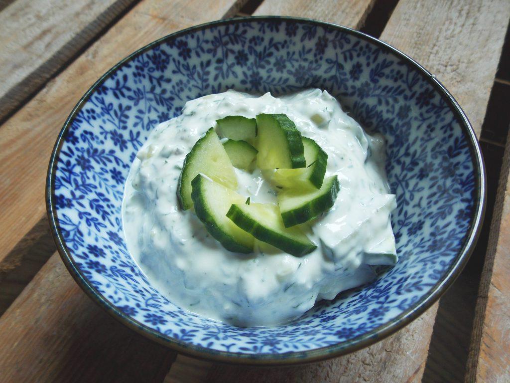 chlodnik-z-jogurtu-i-ogorka