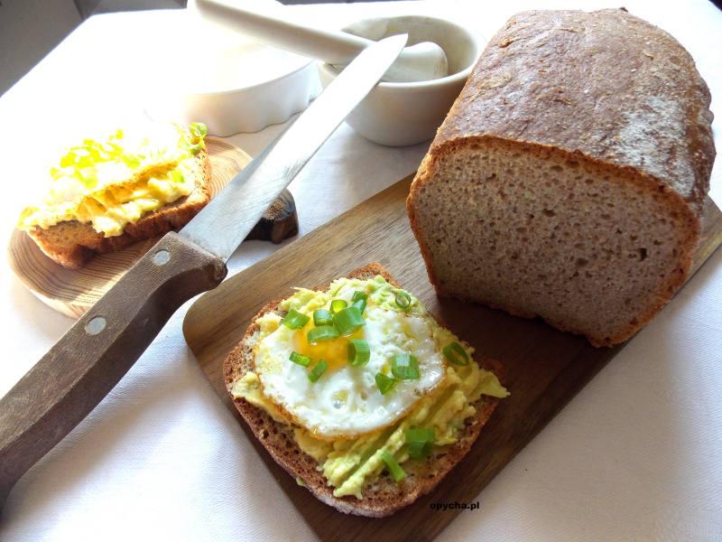 chleb-orkiszowy-na-drozdzach