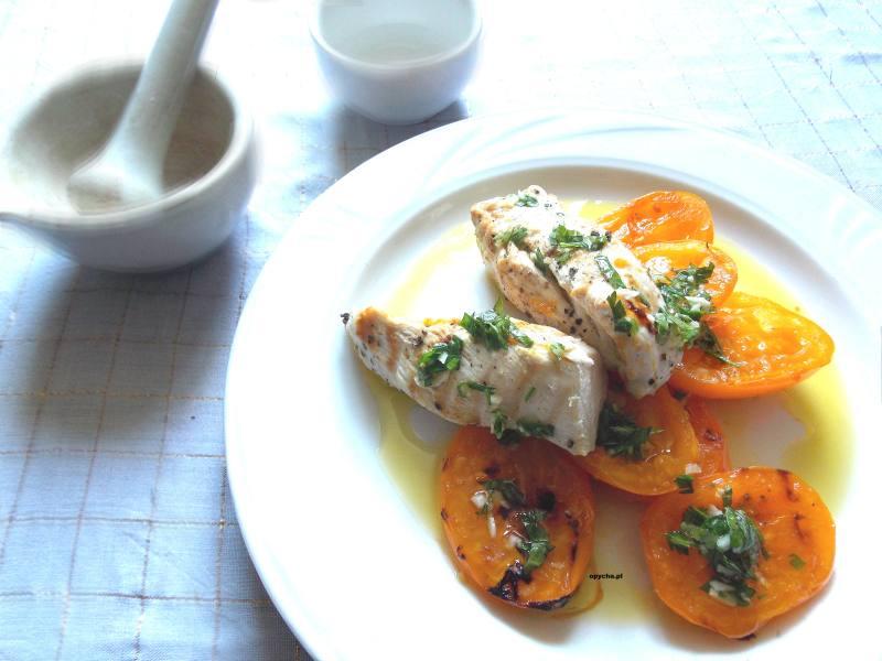 grillowana-pierś-kurczaka-z-żółtymi-pomidorami