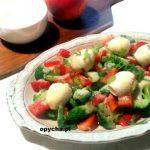 Sałatka z jajkami przepiórki i brokułem