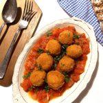 Pulpeciki z cieciorki na sosie pomidorowym
