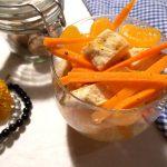 Sałatka z kurczaka, marchewki i mandarynek
