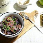Fioletowe ziemniaki smażone z szynką szwarcwaldzką