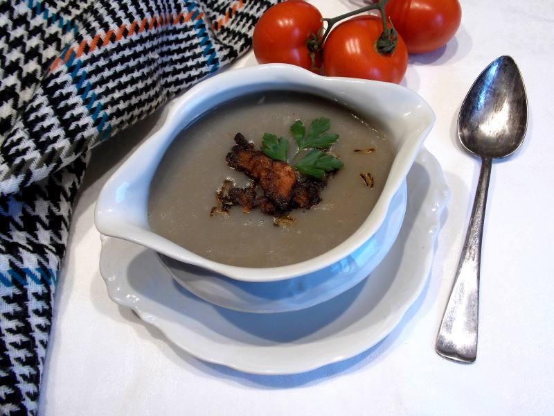 szara zupa ziemniaczana z boczkiem