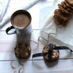 Ciastka owsiane z orzechami i czekoladą