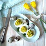 Faszerowane jajka z awokado