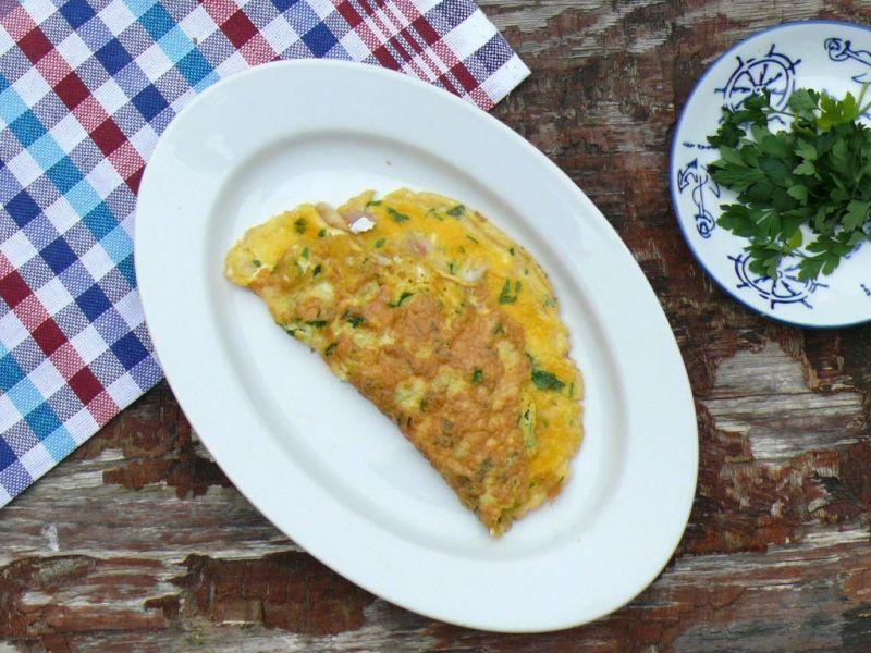 Omlet z wędzoną makrelą