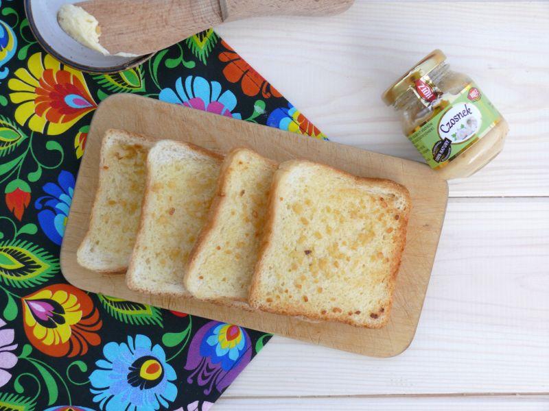 Test czosnku HOTZ z przepisem na grzanki z masłem czosnkowym