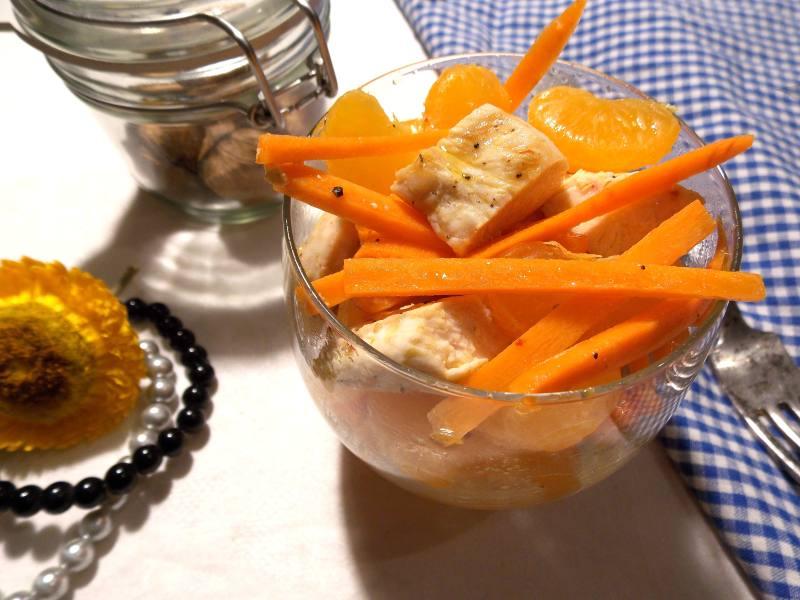 salatka-z-kurczaka-marchewki-i-mandarynek