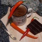 Rozgrzewający napój czekoladowy z nutą chilli
