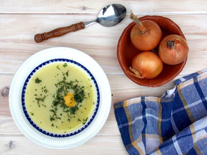 Zupa krem z ziemniaków z żółtkiem