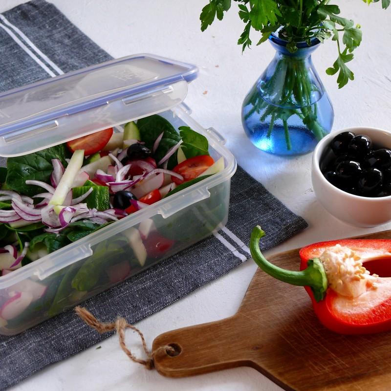 lunchbox- jakie warzywa są dobra na sałatkę do pracy, sałatka do pracy, fit, pudełko do pracy, jedzenie do pracy
