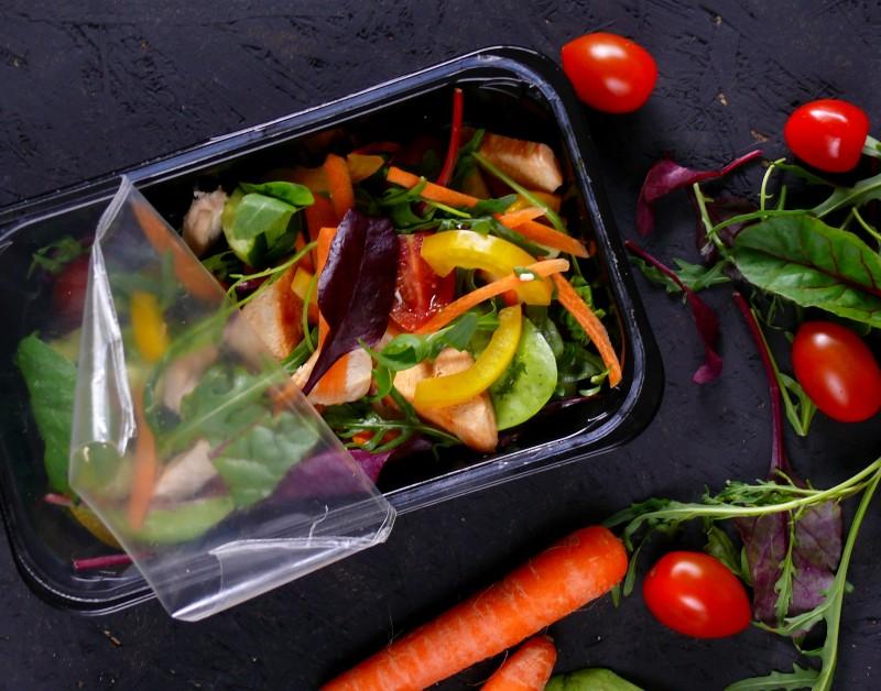 fitnezja fit catering dietetyczny dieta pudełkowa do domu