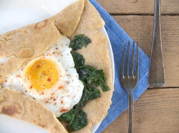 jak zrobić jajko sadzone bez tłuszczu na wodzie fit lekkie