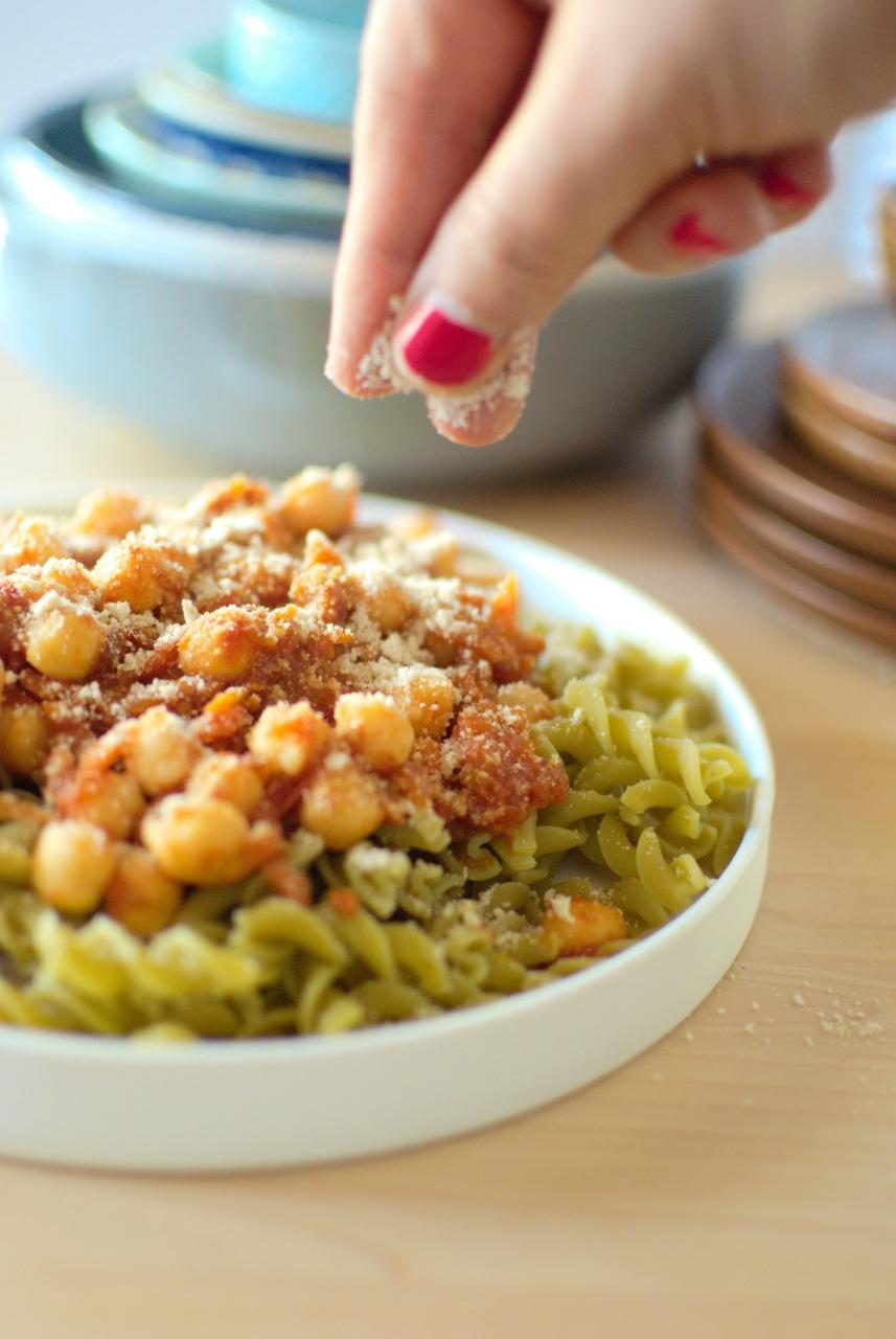 jak zrobić wegański parmezan