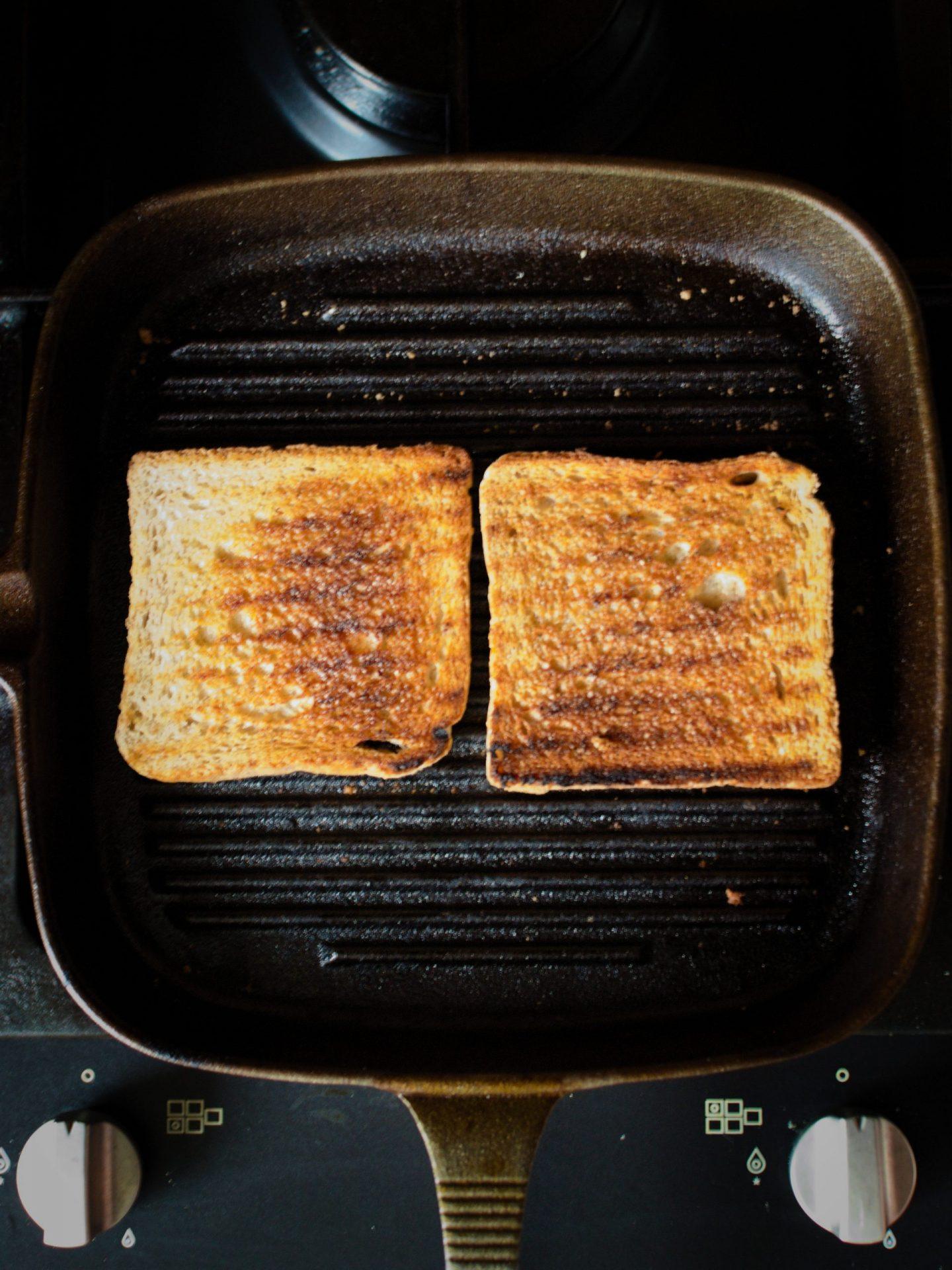 kanapka z tostów z omletem przepis na domowy fast-food